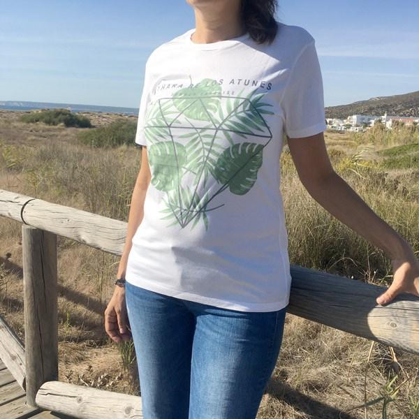 Camiseta-zahrara-Modelo-hojas-verdes
