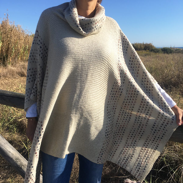 Poncho de lana modelo zahara