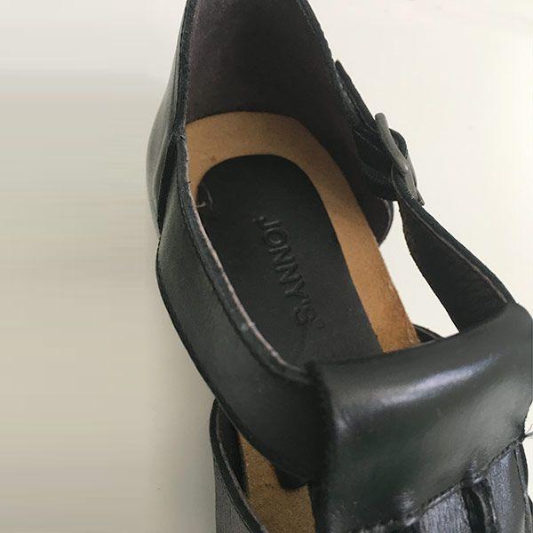 Sandalia-jonnys-bio-negro-detalle
