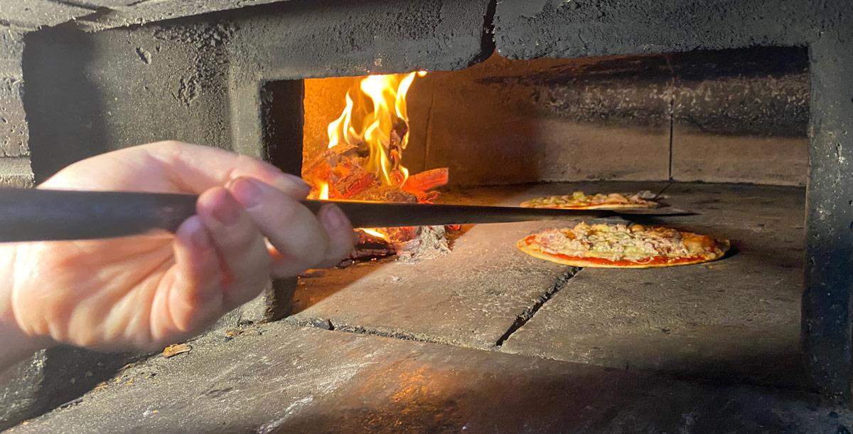horno de leña pizzeria fillol zahara
